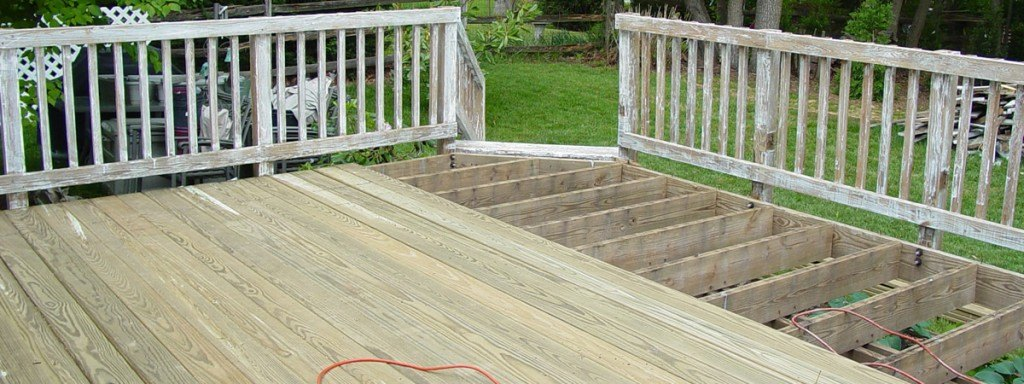 Two Tone Deck Staining And Sealing Would You Like An Elegant